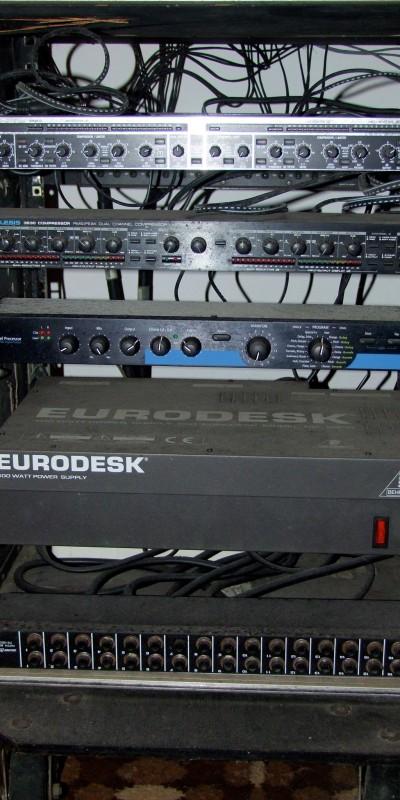 eurodesk rack