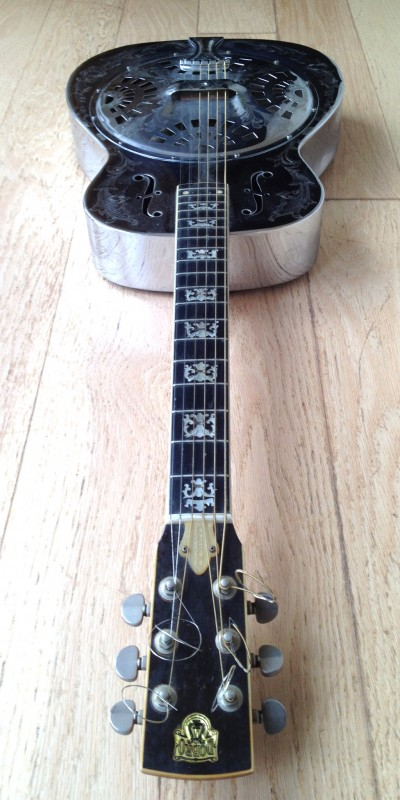 Silver Guitar-2